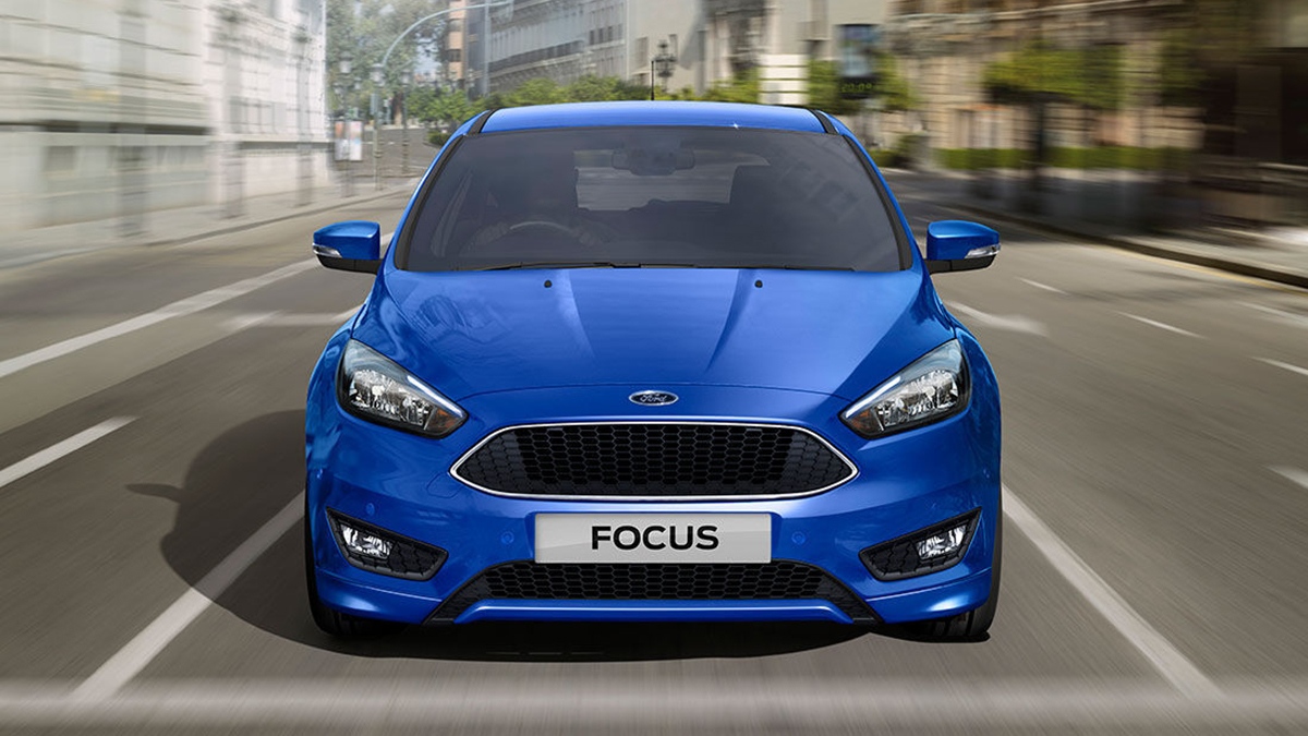 With a sleek exterior design, sporty alloy wheels, and a modern interior  with intuitive controls – the Ford Focus refuses to blend into the crowd.
